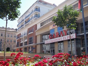 Garay Shopping center in front of the apartment